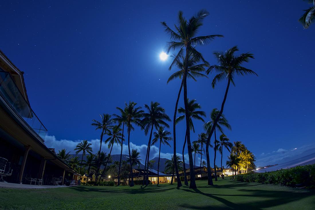 Puamana Nani full moon